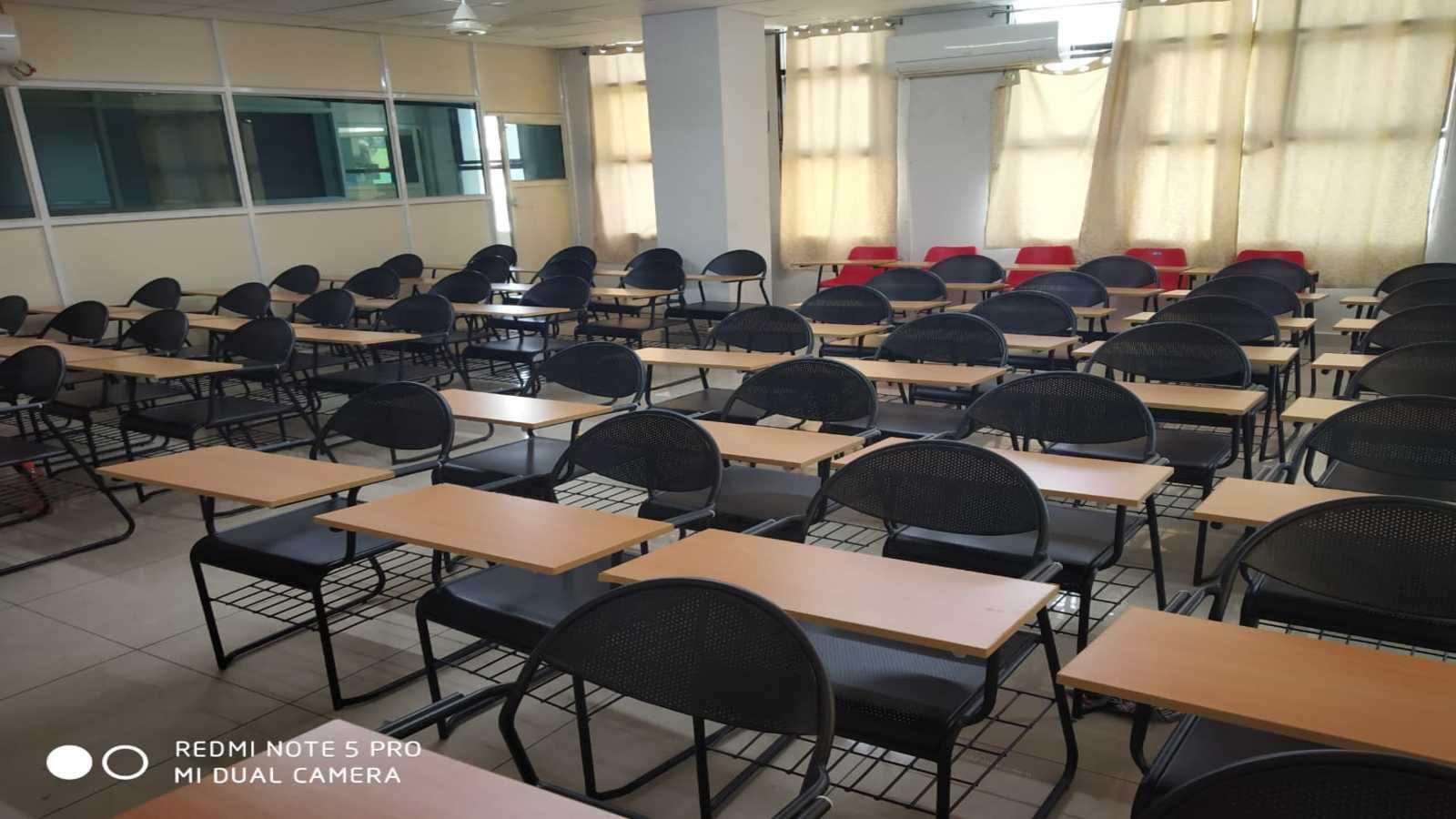 classroom_1600x900